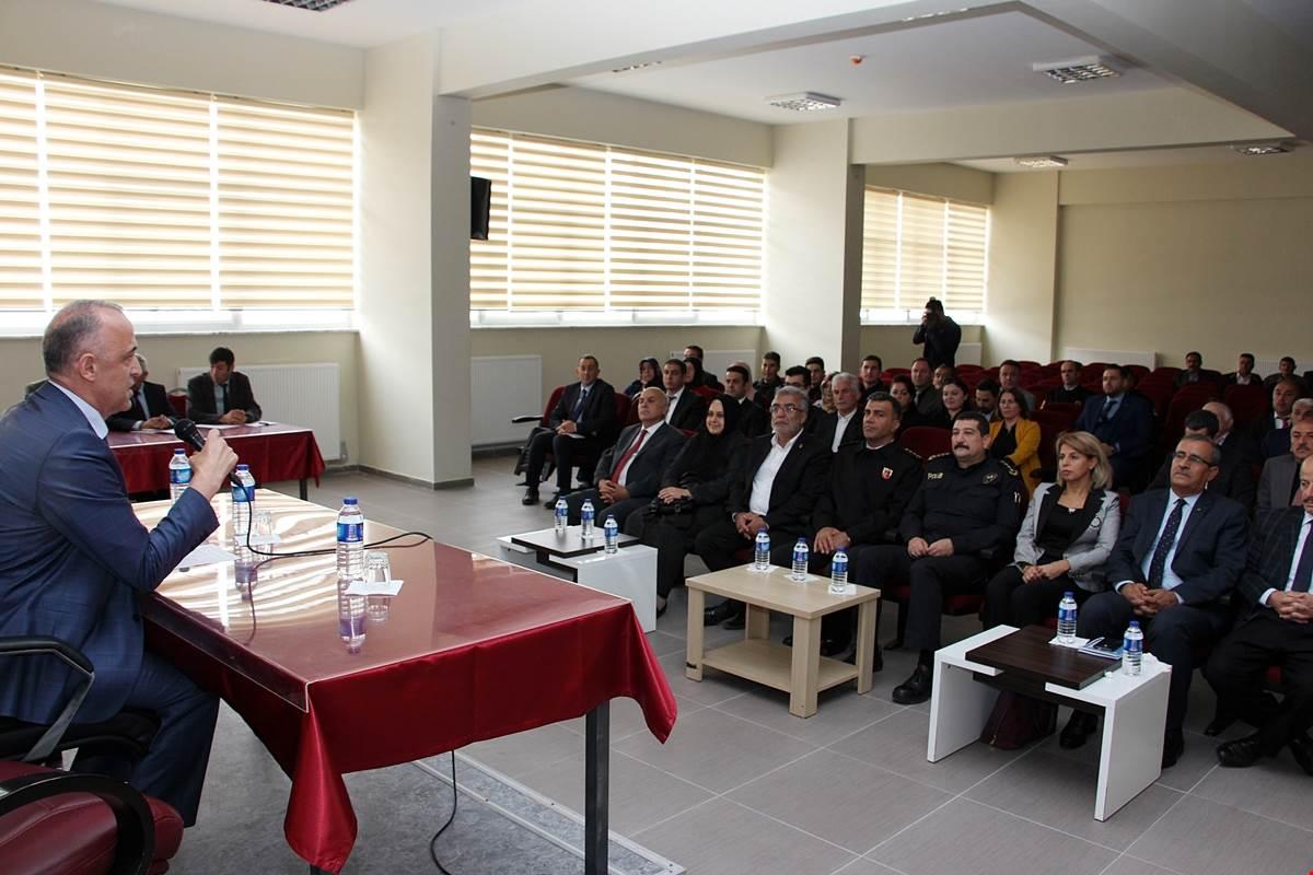Ekim Ayı Muhtarlar Toplantısı Atkaracalar'da Gerçekleştirildi