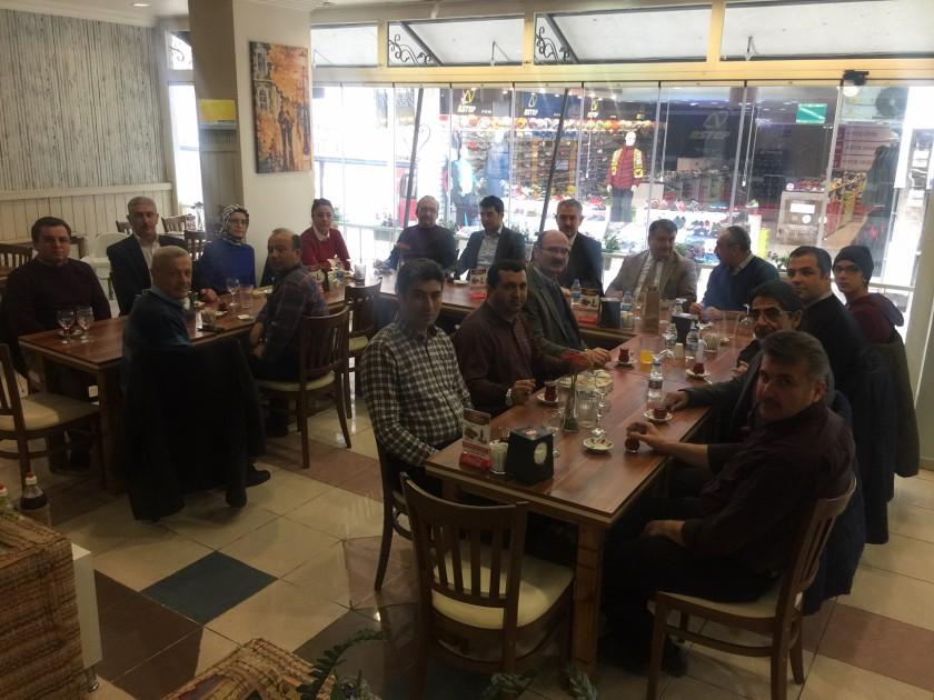 İl Müdürlüğümüz Personellerinden Emekli Olan Elektrik Teknikeri Kadir YÜCEL' e veda yemeği düzenlendi.