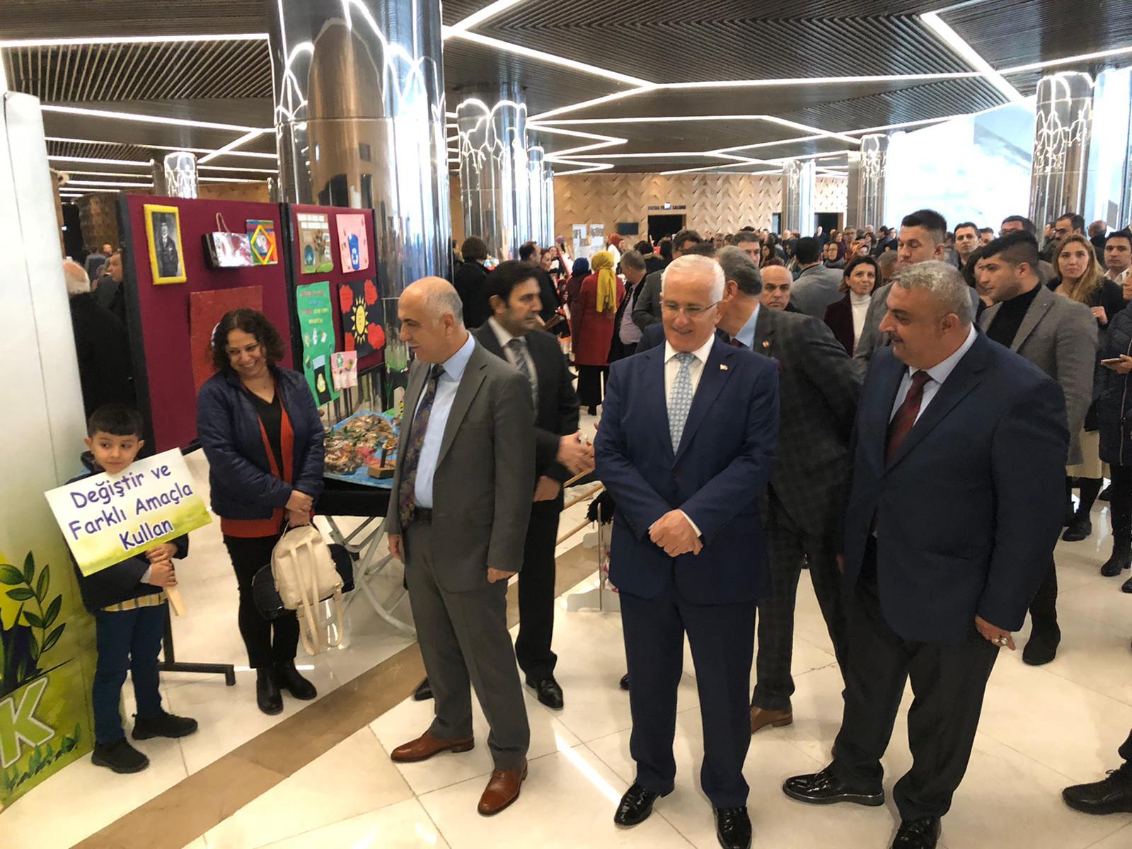 Cumhurbaşkanımız Recep Tayyip Erdoğan' ın Kıymetli Eşleri Emine Erdoğan Hanımefendinin Himayelerinde Gerçekleştirilen Sıfır Atık Projesi Eğitim Modeli Toplantısı Milli Eğitim Müdürlüğünce  Gerçekleştirildi.