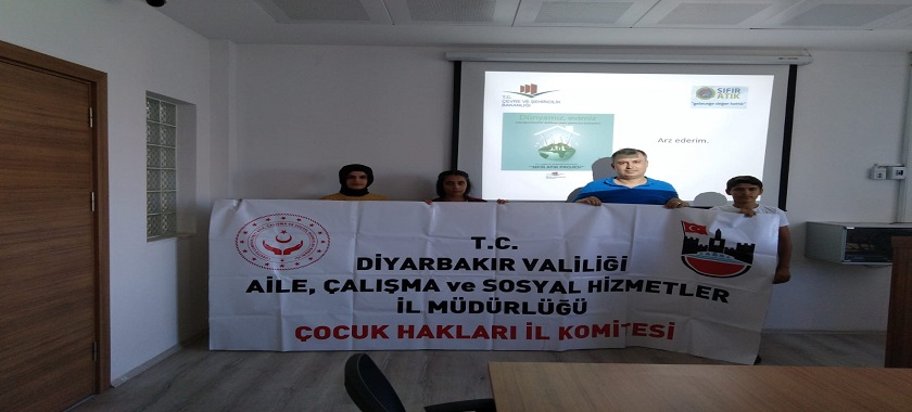 Aile Çalışma ve Sosyal Hizmetler İl Müdürlüklerindeki İl Çocuk Hakları Komitesinin üyelerine Sıfır  Atık Projesi eğitimi verildi.