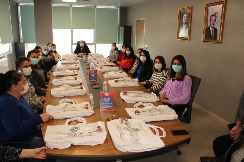 İl Müdürümüz Sayın Engin ÖZTÜRK, İl Müdürlüğümüzde Çalışan Bayan Personellerin Dünya Kadınlar Gününü Kutladı