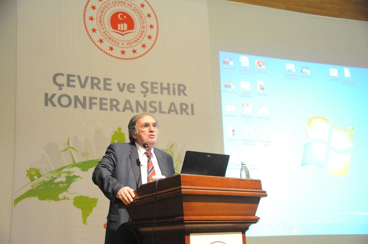 Çevre ve Şehir Konferansları bitkisel tedavileriyle dünya çapında tanınan Türk kimya profesörü Profesör Dr. İbrahim SARAÇOĞLU'nu konuk ettik