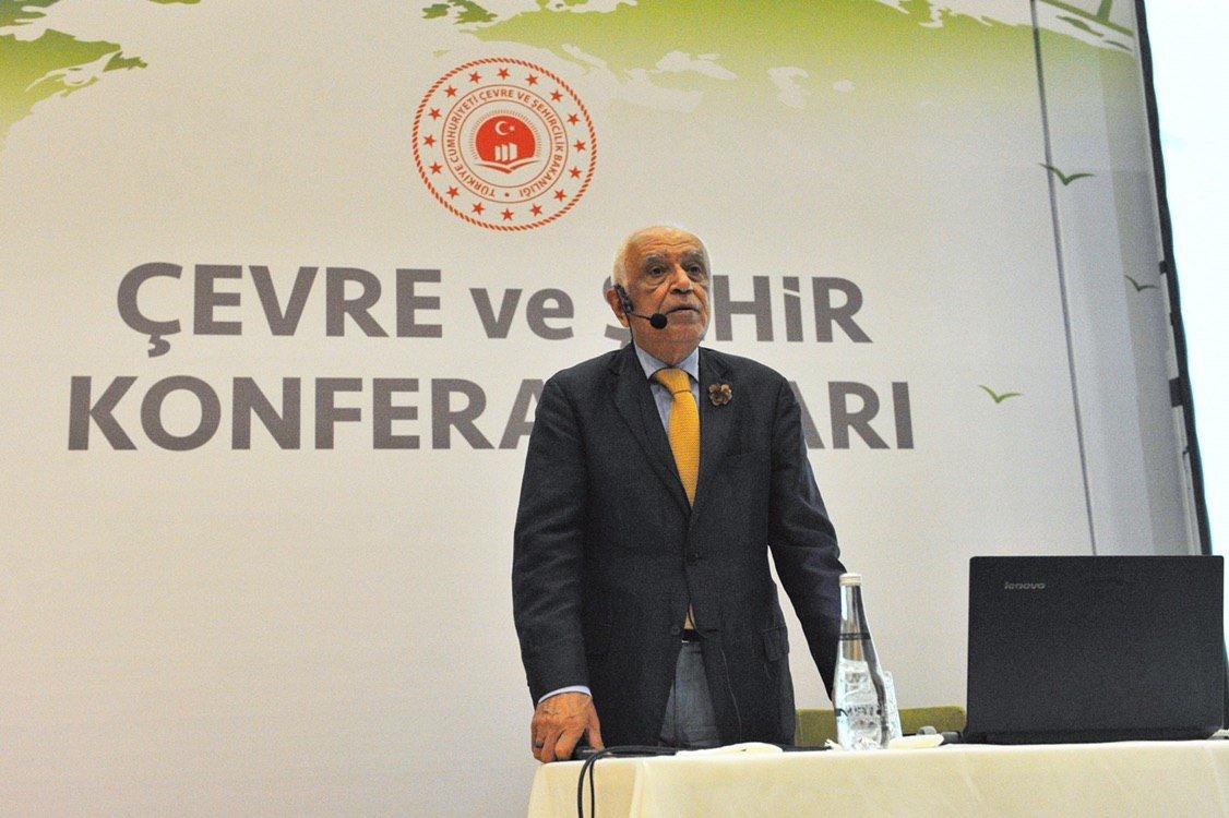 Çevre ve Şehir Konferansları Sinan Genim ile devam ediyor.