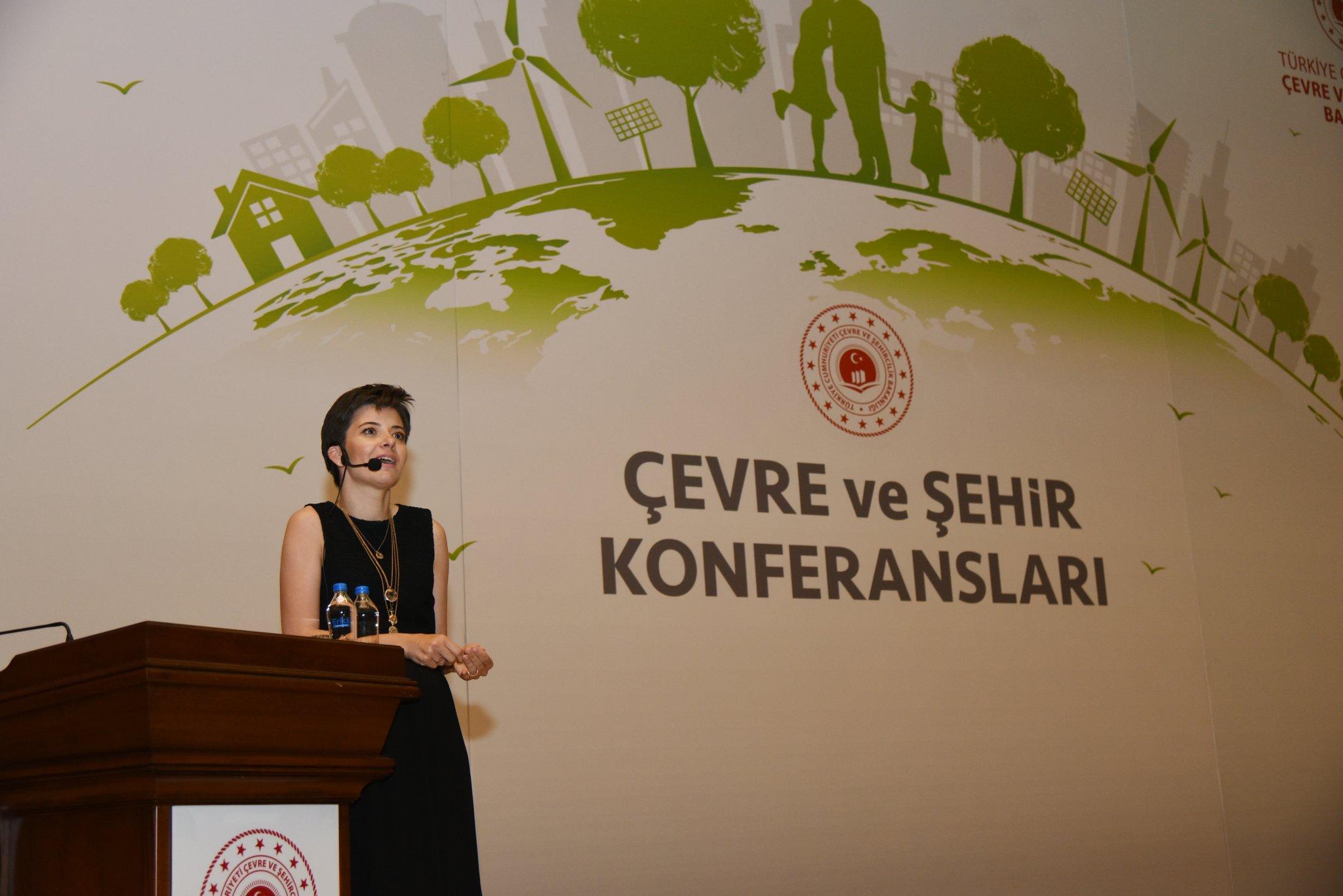Çevre ve Şehircilik Bakanlığı'nda  ''Çocukluğumdan Çocuğuma'' Konferansı