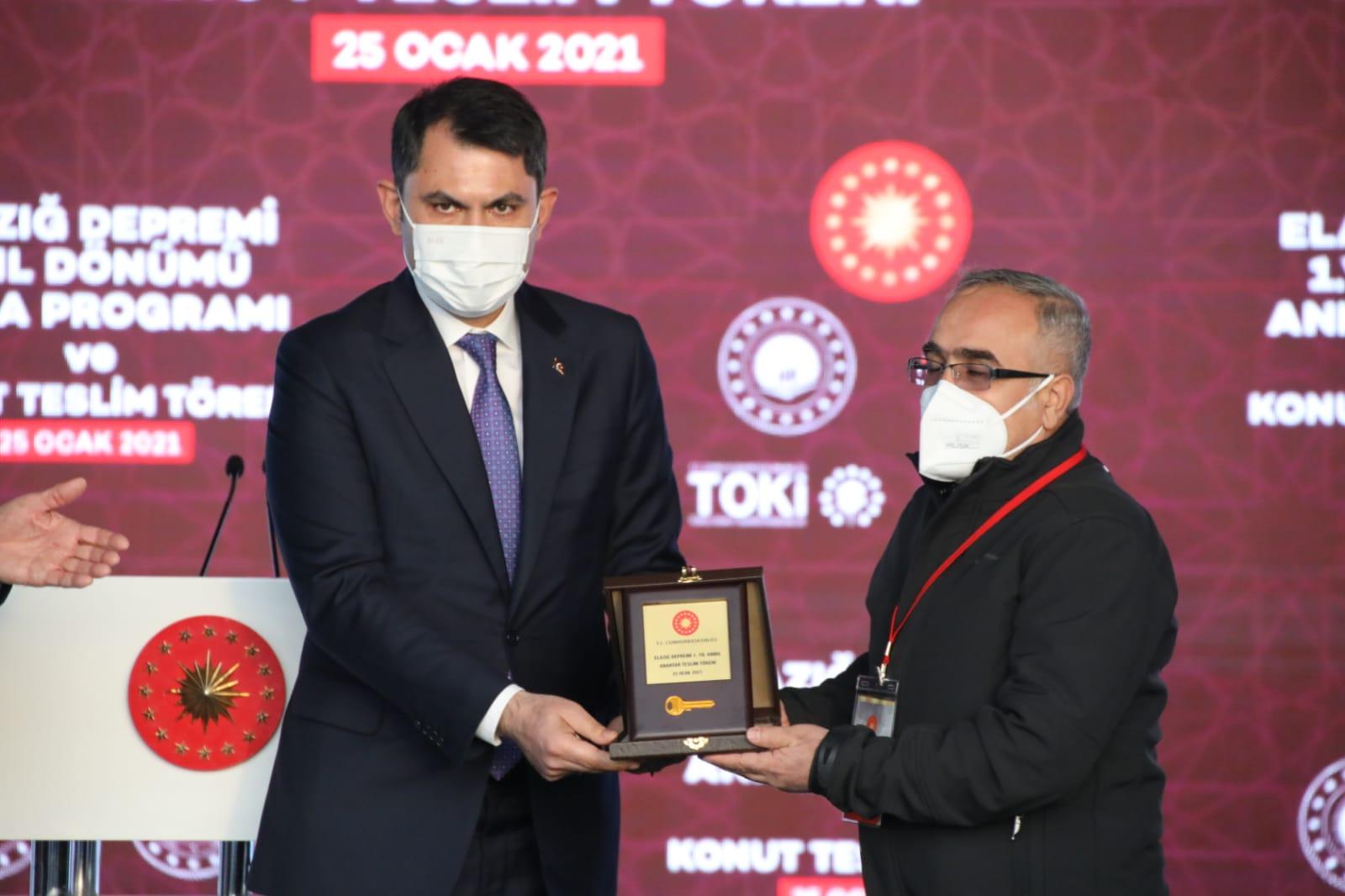 Çevre ve Şehircilik Bakanımız Murat Kurum, Elazığ'da depremzedeler için inşa edilen konutları inceledi.