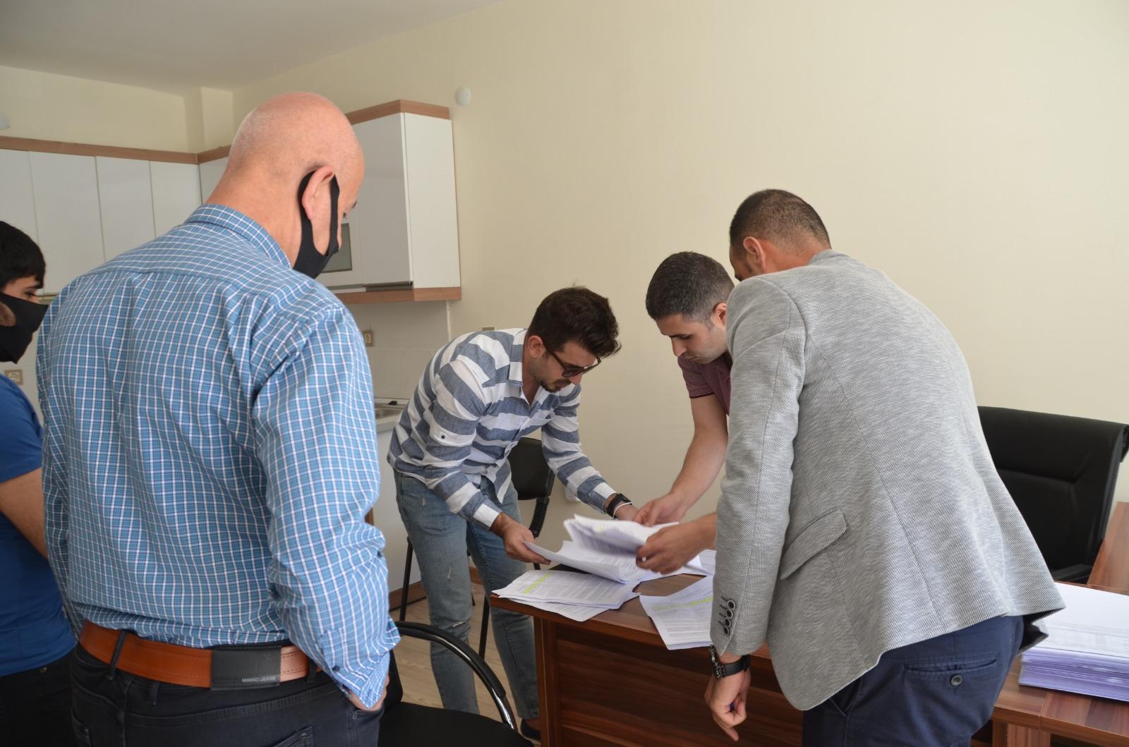 Yüksekova'da yapımı tamamlanan 1.Bölge 1.Etap konutlar için anahtar teslimi yapıldı.
