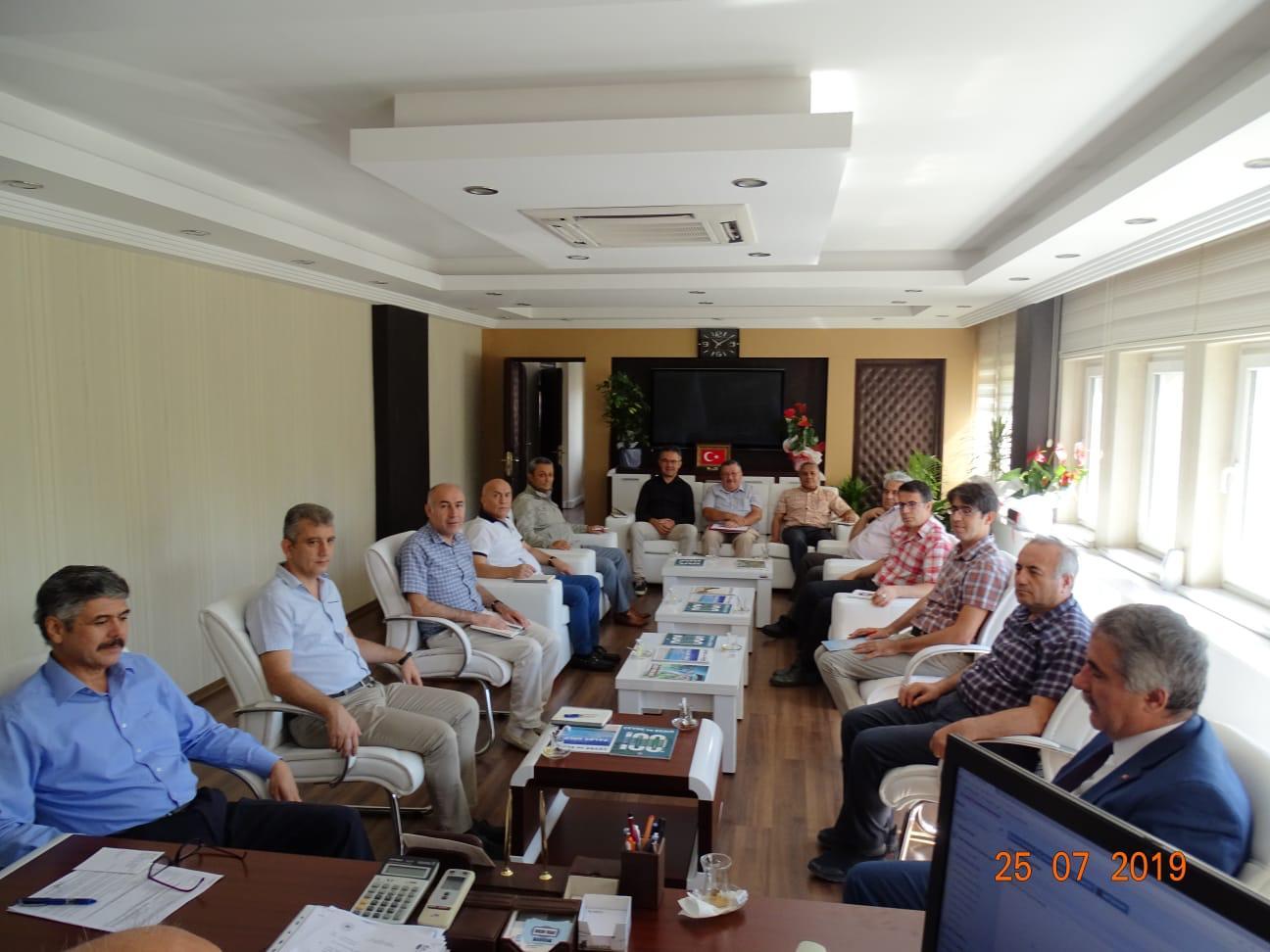 """İç Denetim Birimi Başkanlığınca Balıkesir Çevre ve Şehircilik İl Müdürlüğünde """"bürokrasinin azaltılması, iç kontrol ve etik yönetim"""" konulu toplantı ve seminer düzenlenmiştir."""
