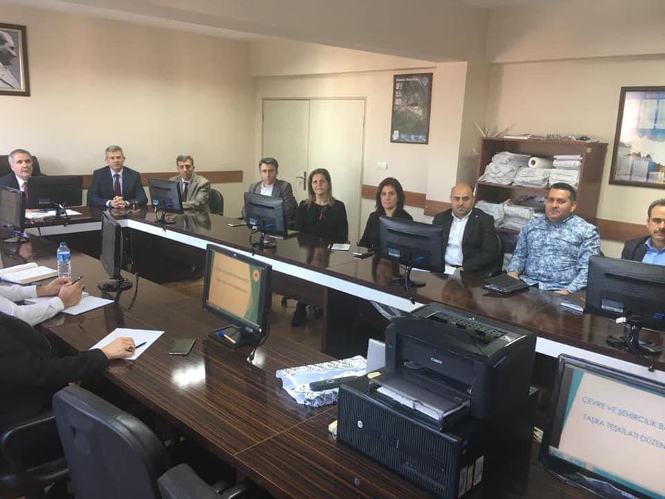 """İç Denetim Birimi Başkanlığınca Trabzon Çevre ve Şehircilik İl Müdürlüğünde """"bürokrasinin azaltılması, iç kontrol ve etik yönetim"""" konulu toplantı ve seminer düzenlenmiştir."""