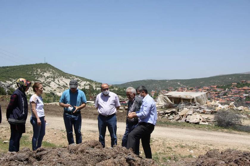 Sarıidris Beldesinde mantar üretiminden kaynaklı kompost atıklarının değerlendirilmesine yönelik çalışmalar başladı.