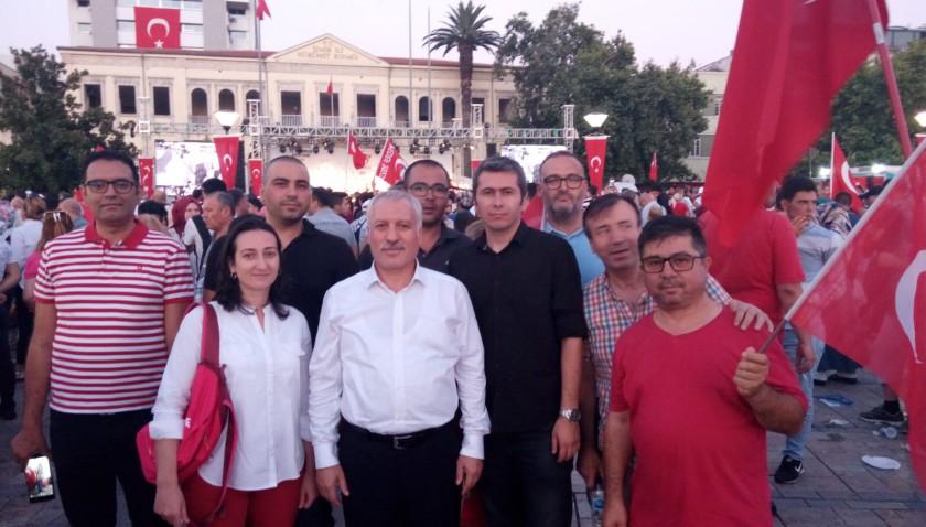 15 Temmuz Şehitlerini Anma, Demokrasi ve Milli Birlik Gününde Konak Meydanındaydık.