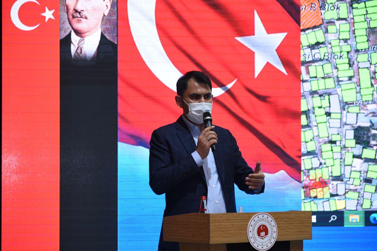 Sayın Bakanımız Murat Kurum, İzmir depreminin ardından kentsel dönüşüm yapılacak alanlarda yaşayan mahalle…