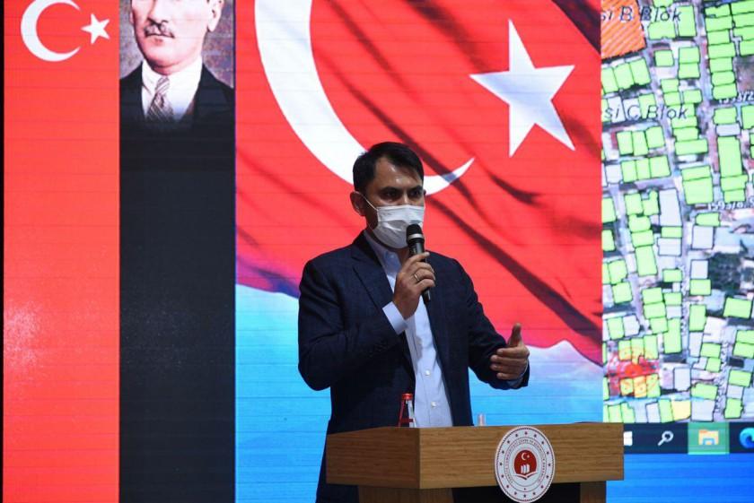 Sayın Bakanımız Murat Kurum, İzmir depreminin ardından kentsel dönüşüm yapılacak alanlarda yaşayan mahalle sakinleriyle bir araya geldi.