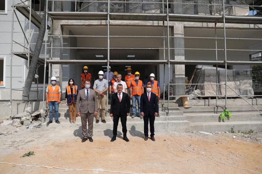 Valimiz Sayın Osman BİLGİN, yapımı Devam Eden İŞKUR Hizmet Binası inşaatında incelemelerde bulundu.