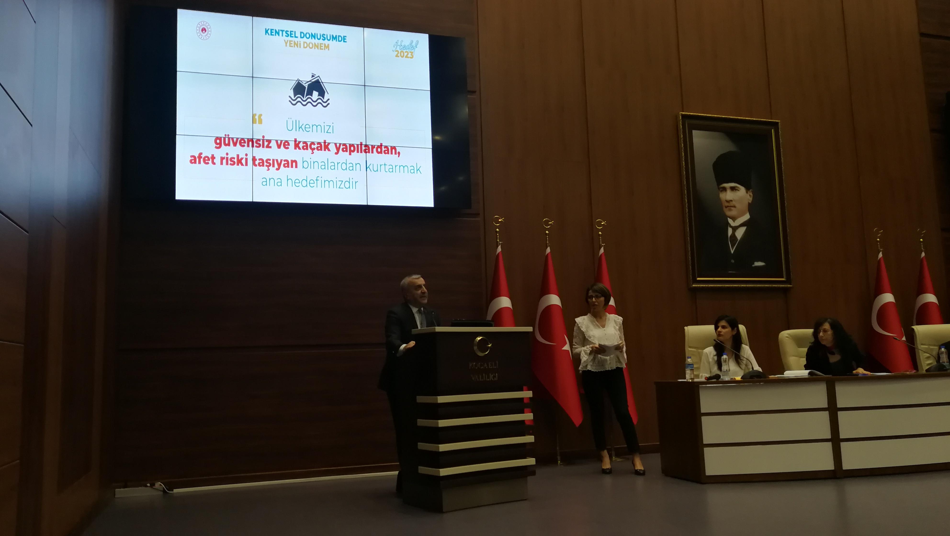 İlimiz Büyükşehir Belediye Başkanlığı ve İlçe Belediye Başkanlıkları ile Kentsel Dönüşümde Yeni Dönem Toplantısı yapıldı.