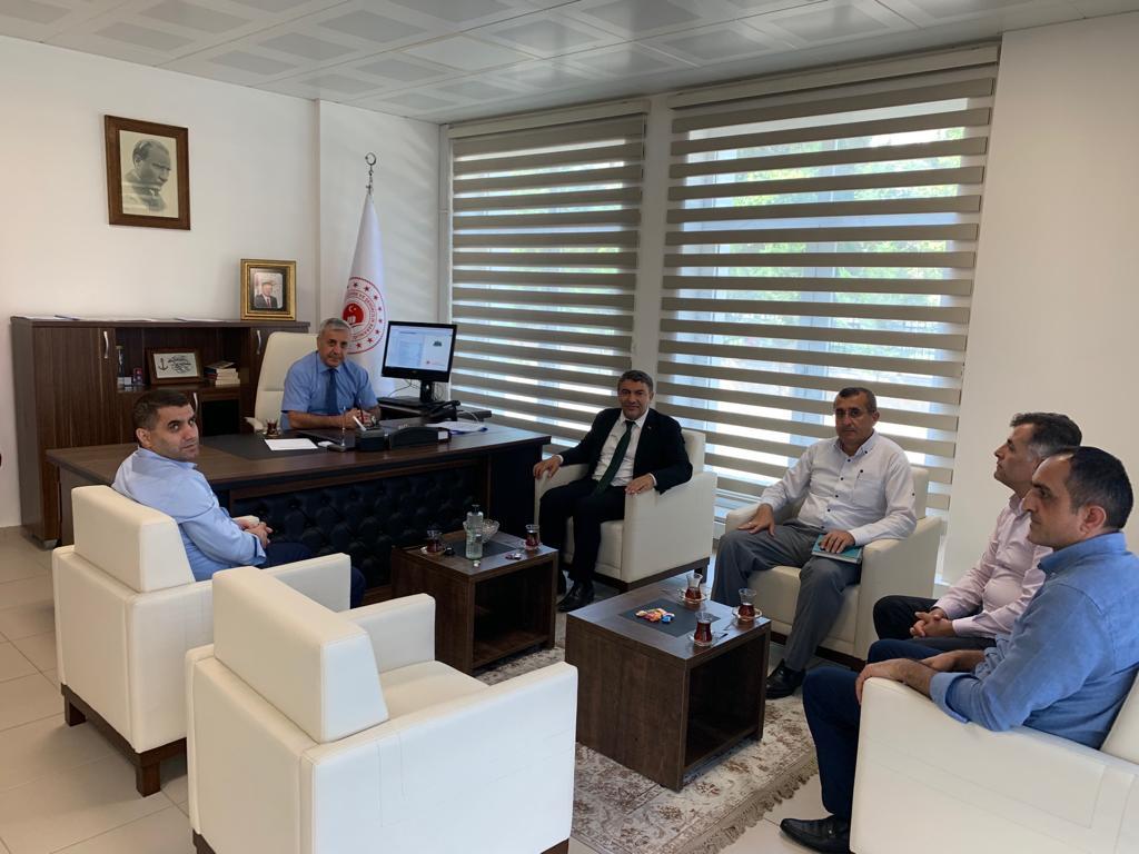 İlimiz, Dilovası İlçesi Belediye Başkanı Sayın Hamza ŞAYİR İl Müdürümüz Ahmet KIRILMAZ'a nezaketziyaretindebulundu.