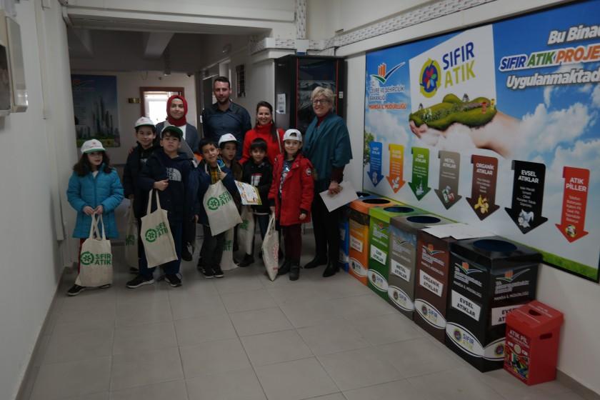 Manisa Sardes Satranç Spor Kulübü Öğrencileri Müdürlüğümüze Ziyareti