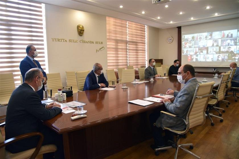 """Vali Karadeniz Başkanlığında """"Sıfır Atık Bilgilendirme Toplantısı"""" Yapıldı"""