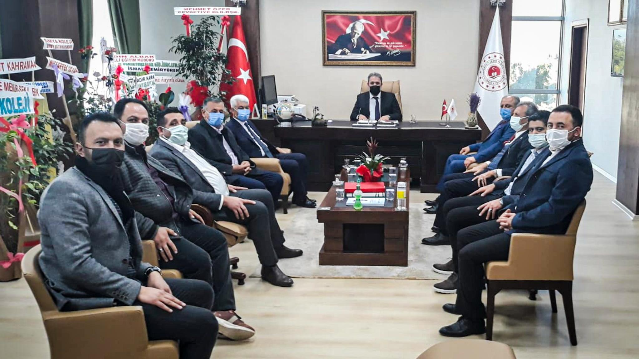 Ellek Belediye Başkanı Abbas YEŞİLDEMİR, Düziçi AKP İlçe Başkanı Mehmet ÇİLLEM ve Düziçi AKP İlçe Teşkilatı,…