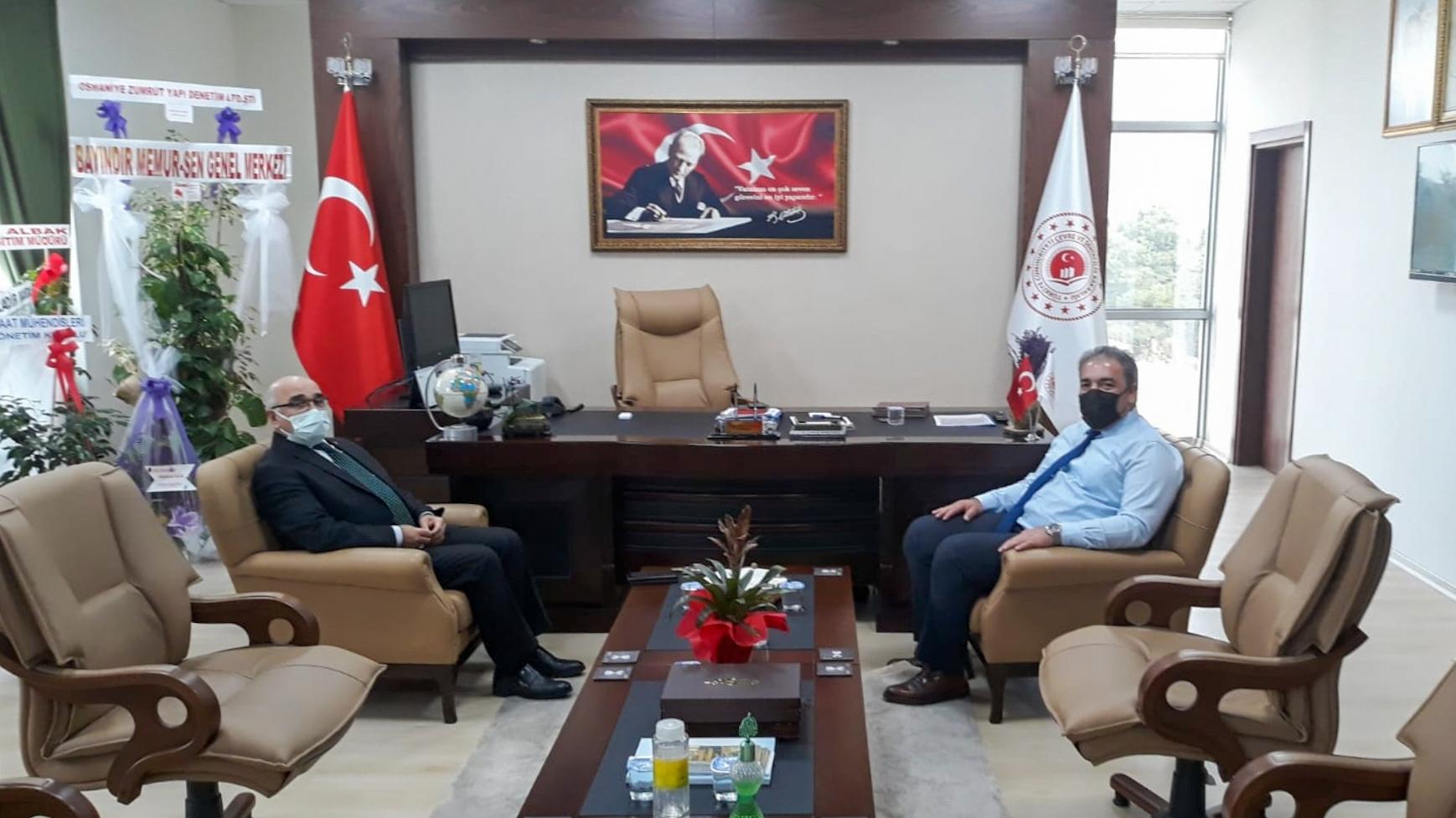 Milliyetçi Hareket Partisi Osmaniye İl Başkanı Yusuf ÇOMU İl Müdürümüz İrfan Remzi YILMAZ'ı ziyaret…