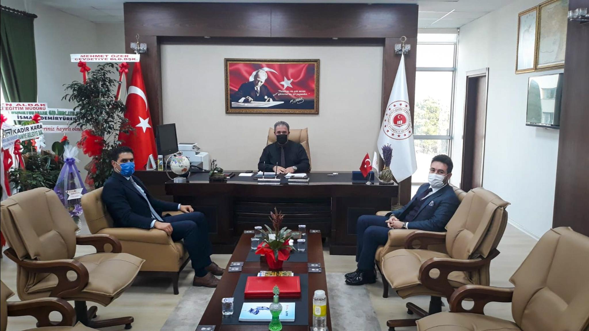 Osmaniye Kültür ve Turizm İl Müdürü Burhan TORUN ve Osmaniye MHP İl Başkan Yardımcısı Enver BOZDOĞAN İl Müdürümüz İrfan Remzi YILMAZ'ı ziyaret etti.
