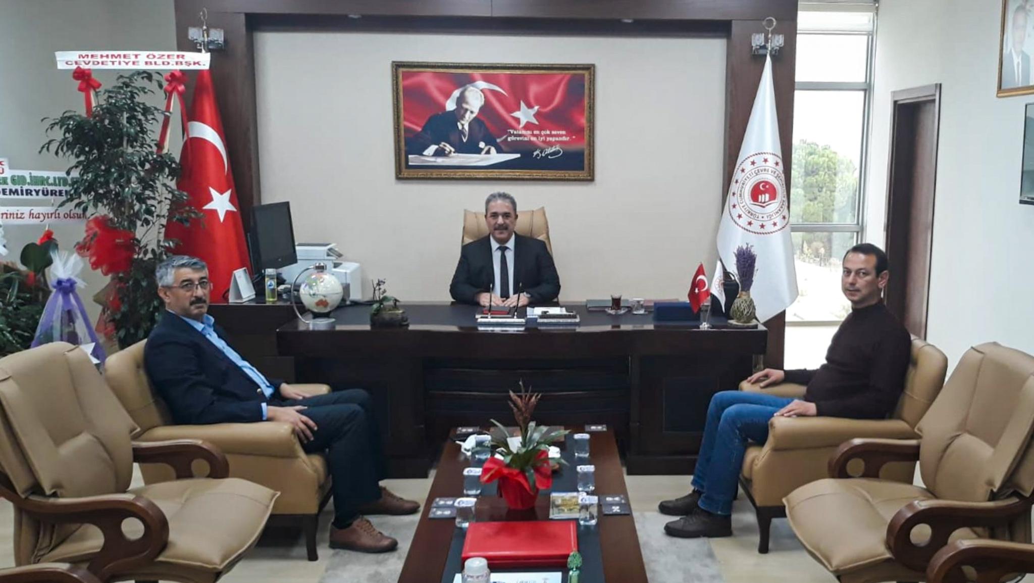Osmaniye Memur-Sen İl Başkanı Sayın Mahmut KAHRAMAN İl Müdürümüz İrfan Remzi YILMAZ'ı ziyaret etti.