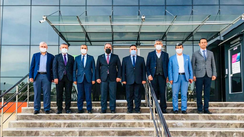 Osmaniye Sağlık İl Müdürü Dr. Hasan ÖZNAVRUZ, ve Osmaniye Sağlık-Sen Bşk. Muhittin ÇENET, Osmaniye Memur-Sen Onursal Bşk. Mücahit ÇELİK ve Memur-Sen Heyeti İl Müdürümüz İrfan Remzi YILMAZ'ı ziyaret etti.
