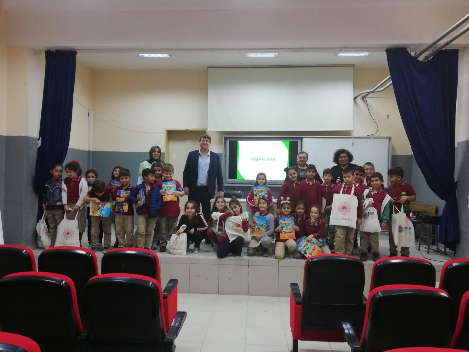 Serdivan Mehmet Demir İlkokulunda