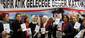 Polis Eşleri Derneği Kermesi'nde Sıfır Atık Standı Kuruldu