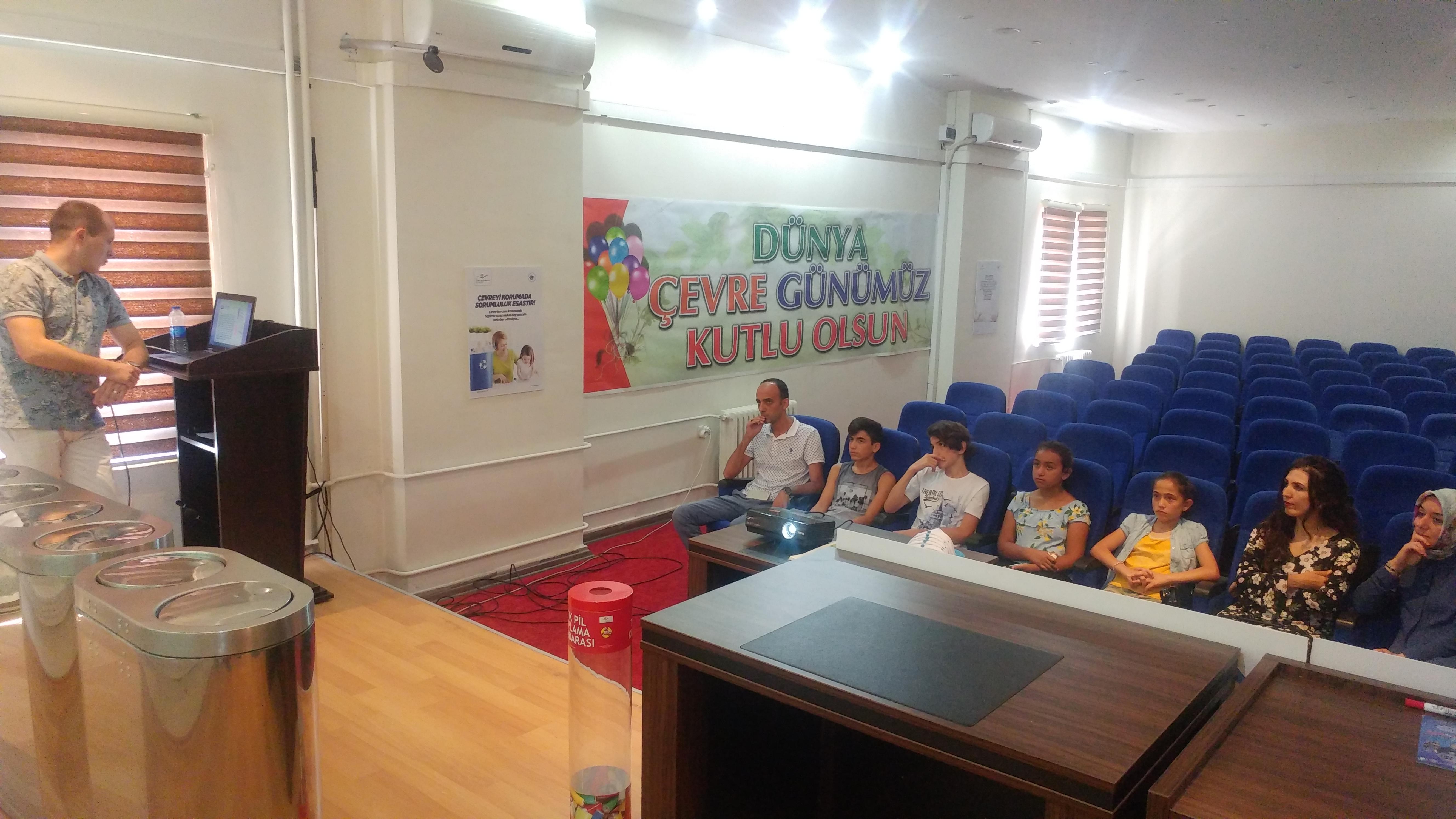 Çocuk hakları temsilcisi çocuklara