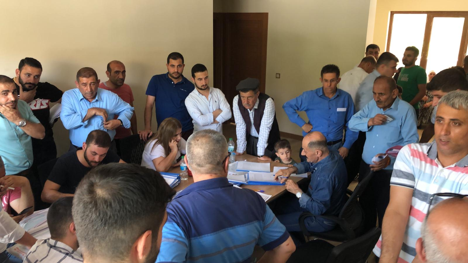 Şırnak İli Cizre İlçesinde terör olayları neticesinde evleri ağır hasar gören vatandaşlara Çevre ve Şehircilik Bakanlığı tarafından 5. Etapta yapılan konutlar hak sahiplerine dağıtıldı.