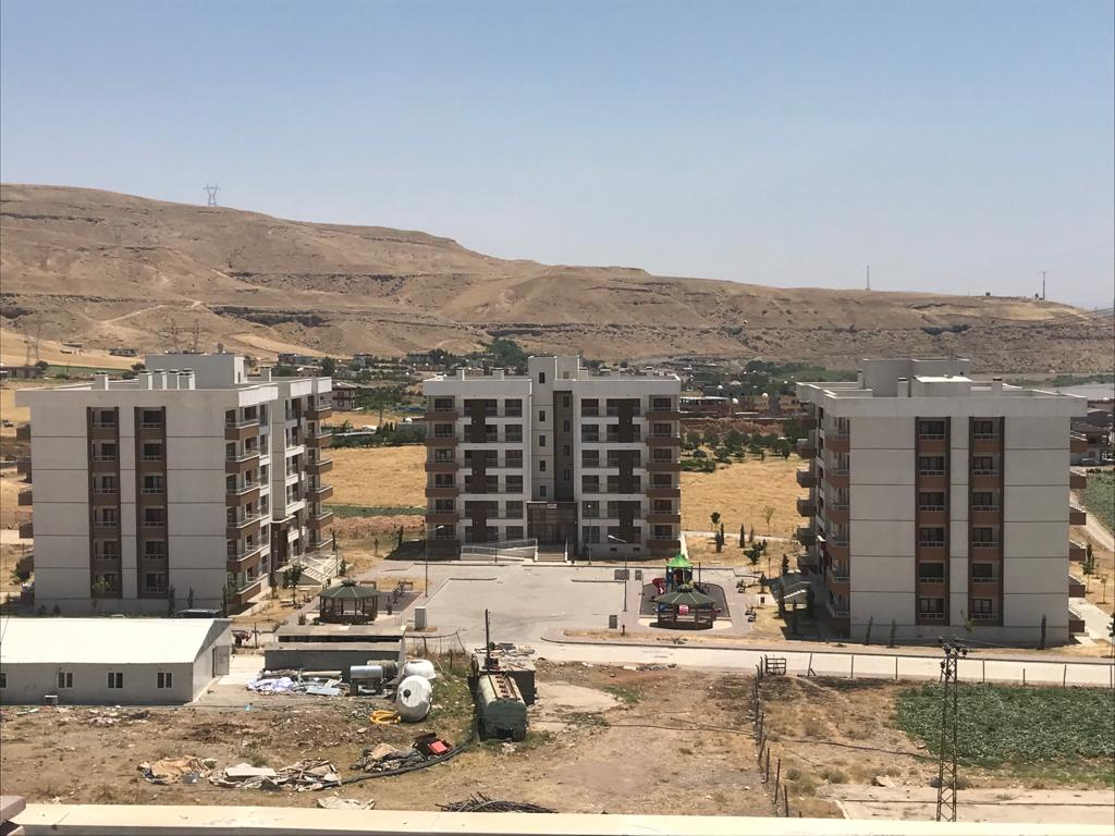Şırnak İli Cizre ilçesinde yaşanan terör olaylarında zarar gören vatandaşlara TOKİ tarafından Dirsekli, konak Mahallesi ve Cudi Mahallesinde yapılan konutlar