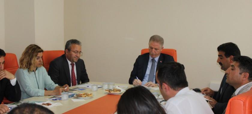 Vali Davut GÜL Başkanlığında İl Müdürlüğümüz Çalışmaları Hakkında Kamuoyu Bilgilendirme Toplantısı Gerçekleştirildi.