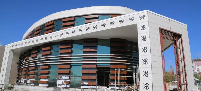 Sayın Valimiz Salih Ayhan, yapımı devam eden Sivas Kültür Merkezi'nde incelemelerde bulundu.