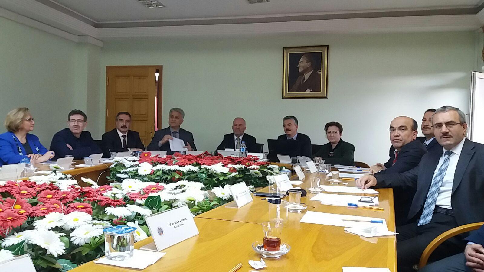 """Gaziosmanpaşa Üniversitesi Senatosuna """"Sıfır Atık Projesi"""" ile ilgili tanıtım ve bilgilendirme sunumu yapıldı"""