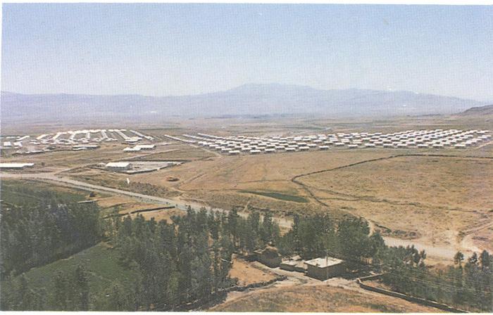 Van-Ağrı-Çaldıran depreminden sonra 1976 Van-Muradiye'de yapılan 527 adet konuttan görünüm