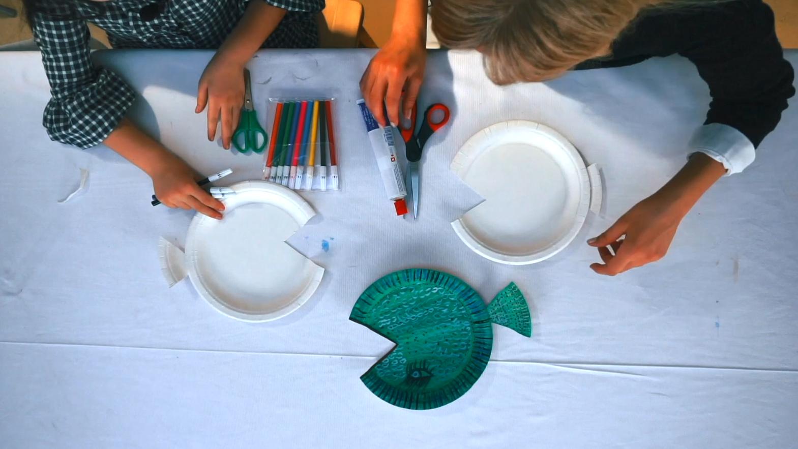 Yapalım Öğrenelim Atölyesi - Plastik Tabaktan Balık