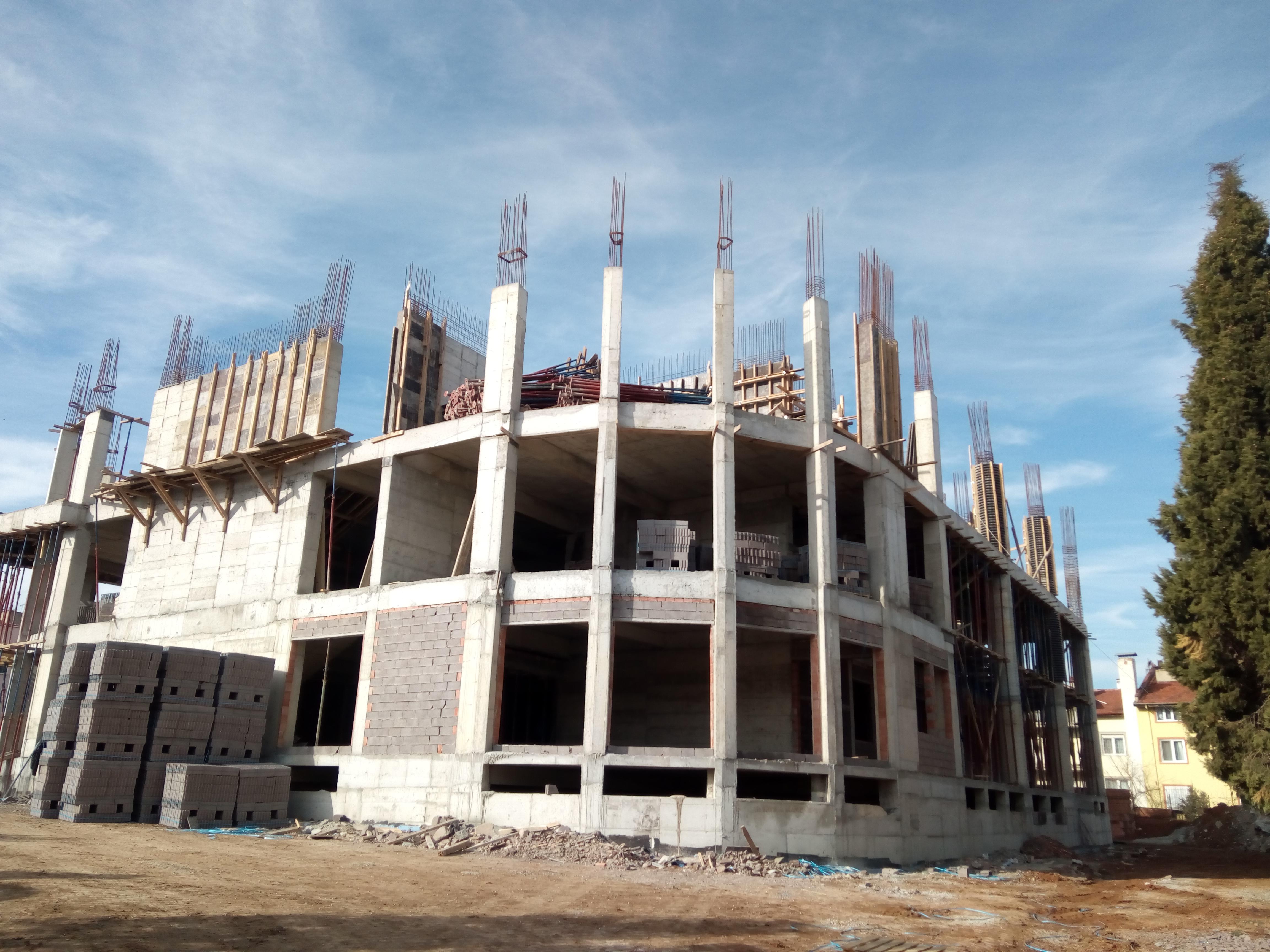 600 Öğrencili 20 Derslikli Yeni Merkez Nihat Dülgeroğlu Eğitim Binasının Yapılması İşinde İmalatlar…