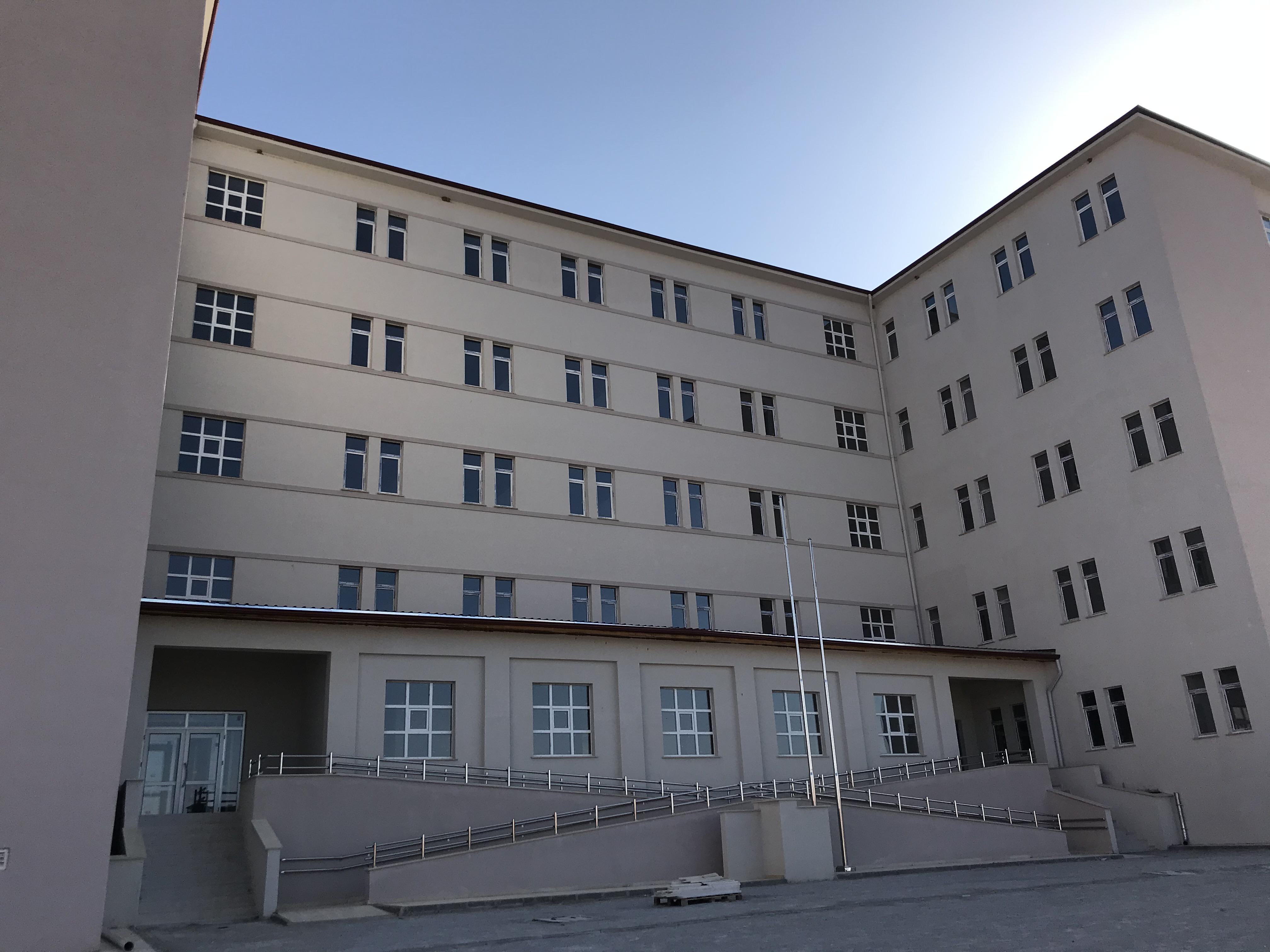 Uşak İlimiz, Sivaslı İlçesi, Fen Lisesi 300 Öğrencilik Pansiyon Binası Yapım İşinde Geçici Kabul İşlemleri Yapılmıştır.