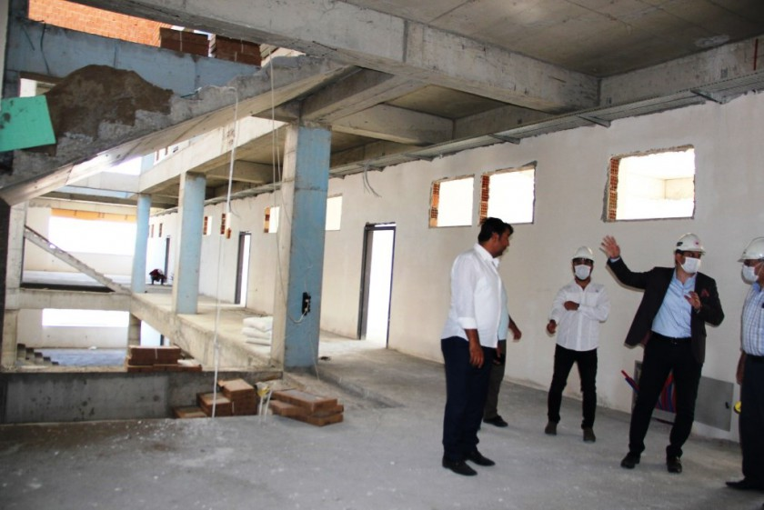 İl Müdürümüz  Ümit YILMAZ Yapımı devam eden inşaatlarda incelemelerde bulundu.