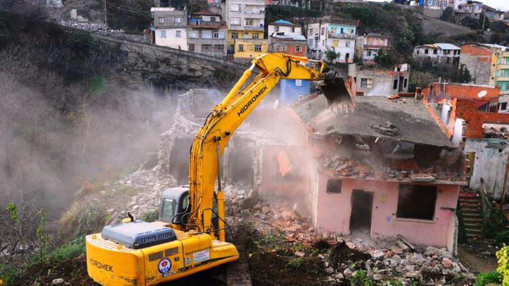 Kentsel Dönüşüm Kapsamında 650 Riskli Yapı Yıkıldı