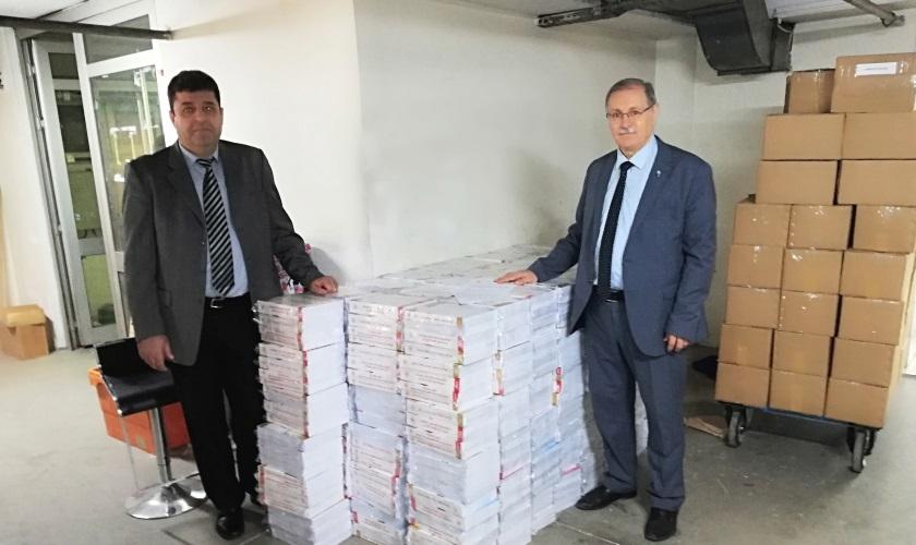 İngilizce dilinde basılan İnşaat ve Tesisat Birim Fiyatları ile İnşaat Genel Fiyat Analizleri kitapları dünyadaki tüm elçiliklerimize gönderilmek üzere Dışişleri Bakanlığına teslim edildi