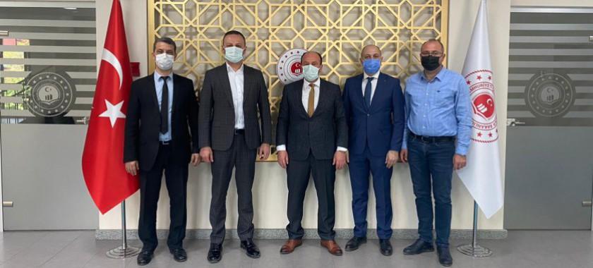 Zonguldak Belediye Başkanı Dr.Ömer Selim ALANİl Müdürümüz Şenol AYYILDIZ' a hayırlı olsun ziyaretinde bulundular.